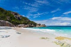 Wyspy plaża w oceanie indyjskim na Seychelles Zdjęcie Royalty Free