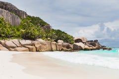Wyspy plaża w oceanie indyjskim na Seychelles Zdjęcie Stock