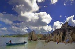 Wyspy tropikalna plaża Obrazy Royalty Free