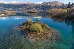 Wyspy w Jeziornym Wakatipu z Queenstown, Nowa Zelandia Obrazy Stock