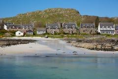Wyspy wioska na Iona Szkocja uk Wewnętrzny Hebrides z wyspy Rozmyślam zachodnie wybrzeże Szkocja chałupy i domy zdjęcia stock
