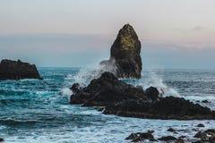 Wyspy zbliżają Aci Trezza, Sicily obraz royalty free
