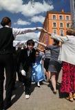 Występ organizatory i tancerze zespół dziejowa persona Viva kostiumu i tana Fotografia Stock