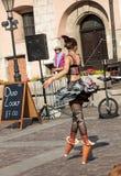 Występ Szczęśliwej godziny przedstawienie wykonujący duetem Looky od Izrael przy 31th ulicą - Międzynarodowy festiwal Uliczni The Obraz Stock