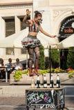 Występ Szczęśliwej godziny przedstawienie wykonujący duetem Looky od Izrael przy 31th ulicą - Międzynarodowy festiwal Uliczni The Fotografia Royalty Free