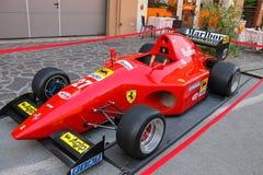 Wystawa pojazdy od Ferrari muzeum na ulicach Spilamb Obraz Royalty Free