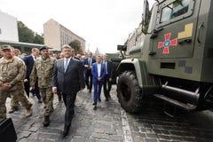 Wystawa ręki i militarny wyposażenie na Khreshchatyk, w Ki Fotografia Royalty Free