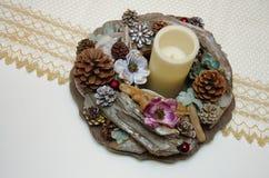 Wystrój dla stołu karpy i rożki Handmade wystrój z DOWODZONĄ świeczką Fotografia Stock