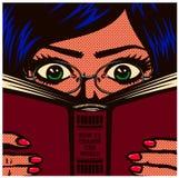 Wystrzał sztuki komiksu móla książkowego żeńskiego ucznia dziewczyny nerdy studiowanie, czytelniczej książki wektoru ilustracja i zdjęcie royalty free