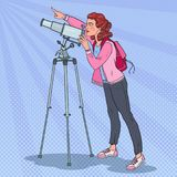 Wystrzał sztuki młoda kobieta Patrzeje Przez teleskopu na niebie Astronomiczny wyposażenie ilustracja wektor