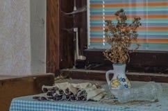 wysuszona roślina i cutlery zdjęcie royalty free
