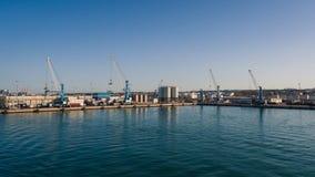 Wysyłać przemysłowego handlu port Żurawia most eksportowy c i import Zdjęcia Royalty Free