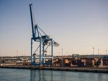 Wysyłać przemysłowego handlu port Żurawia most eksportowy c i import Obraz Royalty Free