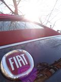 Wyszczeg?lnia od Fiat 500 czarnego i czerwonego obrazy stock