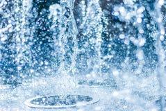 Wytryśnięcie woda fontanna Pluśnięcie woda w fontannie, abstrakcjonistyczny wizerunek obraz royalty free