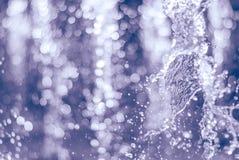 Wytryśnięcie woda fontanna Pluśnięcie woda w fontannie, abstrakcjonistyczny wizerunek Zdjęcia Stock