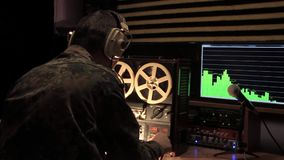 Wywiadu wojskowego oficer produkuje nagranie rozmowa zbiory
