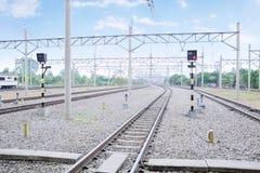 Wzór na linii kolejowej dla elektrycznych pociągów Obrazy Stock