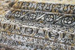 Wzór na rzymskiej kolumnie przy rzymianina Carthage Antonine skąpaniem, Tunezja Fotografia Stock