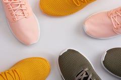 Wzór od kolorowych sportów butów Zdjęcia Royalty Free