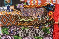 Wzór tworzył z małymi szklanymi koralikami w Gwatemala Obrazy Stock