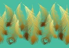 Wzór z stylizowanymi złocistymi piórkami paw Zdjęcie Royalty Free