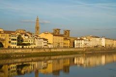 wzdłuż Arno rzeki Obraz Stock