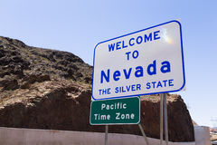 wzdłuż Nevada znaka sposobu powitanie Fotografia Royalty Free