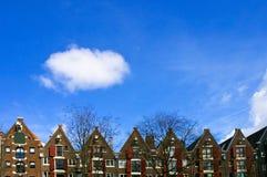 wzdłuż niderlandzkim kanałowych domów Obrazy Stock