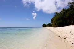 Wzdłuż plaży Zdjęcia Stock