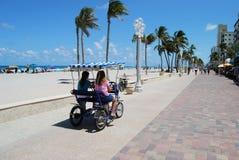 wzdłuż plaży deptak Zdjęcia Stock