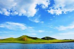 wzgórza jeziora Zdjęcia Stock