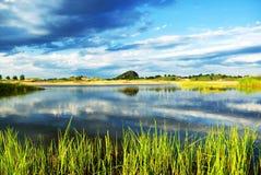 wzgórza jeziora Zdjęcie Stock