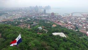 Wzgórza Panama miasta widok otaczający drzewami zbiory wideo