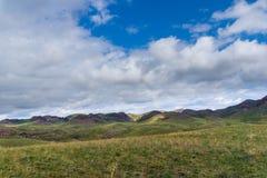 Wzgórza w terenie Arkharly przechodzą Obrazy Royalty Free