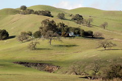 wzgórze dom Zdjęcia Royalty Free
