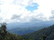 Wzgórze i chmura Obraz Stock