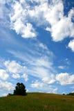 wzgórze nad nieba spektakularny wierzchołkiem Zdjęcia Stock