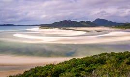 Wzgórze wpust przy Whitsunday wyspą w rzadkim zielonym kolorze Fotografia Royalty Free