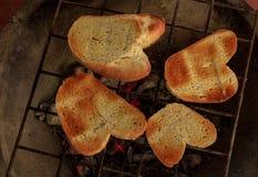 Wznoszący toast chleba dom robić Zdjęcia Royalty Free