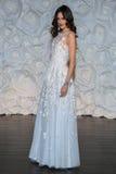 Wzorcowa poza przy Naeem Khan lookbook krótkopędem podczas spadku 2015 Bridal kolekci Zdjęcie Royalty Free