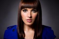 Wzorcowy portret brunetki Kaukaska kobieta zdjęcia stock