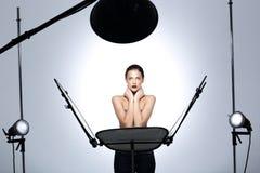Wzorcowy pozować w profesjonalnie wyposażającym studiu fotografia royalty free