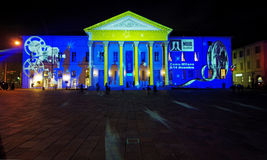 Wzory światło na teatrze z białymi gwiazdami Zdjęcie Stock