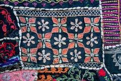 Wzory na tekstylnej koc z geometrycznymi kształtami Fotografia Royalty Free