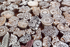 Wzory, słoń, symbole na drewnianej powierzchni foremka bloki dla tradycyjnej drukowej tkaniny Popularny projekt w India Zdjęcie Royalty Free