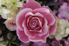 Wzrastał sztucznych kwiaty Obraz Royalty Free