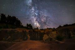 Wzrastający nasz galaxy w miejscu jaki spojrzenia jak pustynia Fotografia Royalty Free