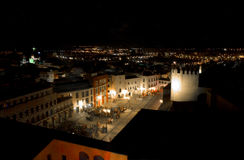 Wzrosta kwadrat przy nocą Zdjęcie Royalty Free