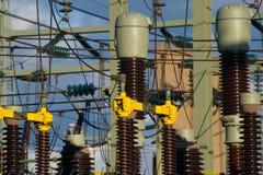 Wzrosta napięcia elektryczności słupa wierza fotografia royalty free